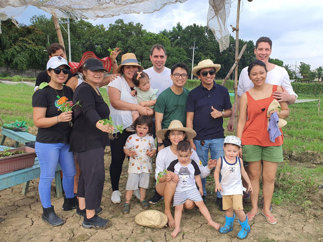 Kalipayan Farm Merienda sa Takipsilim Borja Schurr Family